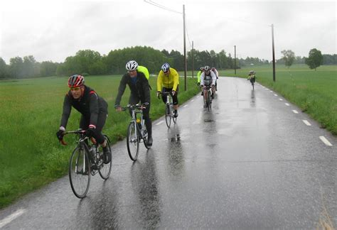 road bike rain 10 tips for cycling in the rain florida summer rain and