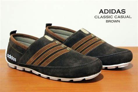 Promo Sepatu Sandal Slop Sepatu Casual Adidas Moccasin 3 jual sepatu slip on adidas classic nike slop casual kulit pria kickers boot zz34 di lapak