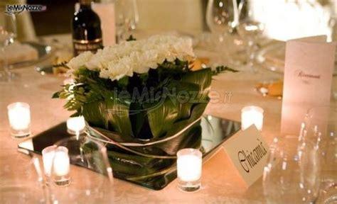 fiori e candele centrotavola candele e fiori per i tavoli delle nozze