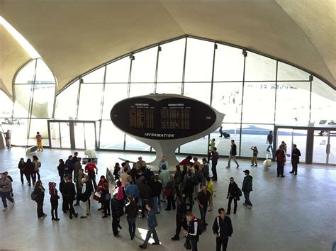 Jfk Airport Information Desk by An Architect S Gift From The Jet Age The Twa Flight