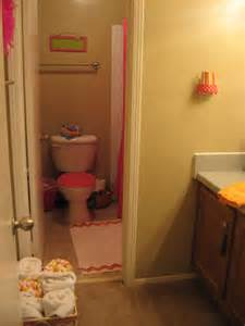 college apartment bathroom on college bathroom