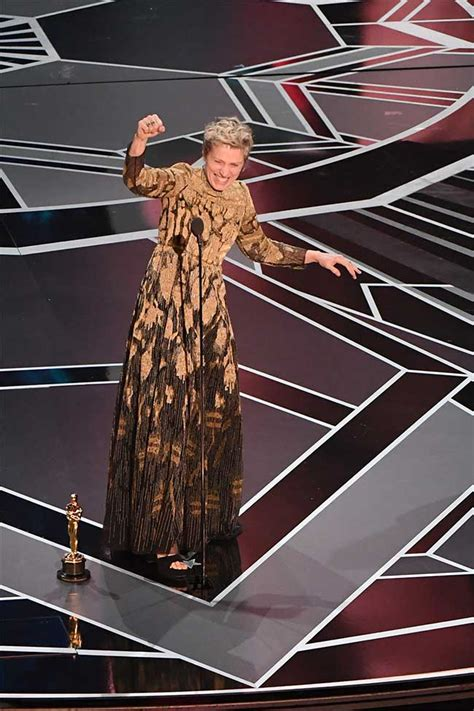 Come Gawk With Us As We Liveblog Oscar Style by Oscars 2018 Highlights Guillermo Toro S The Shape Of