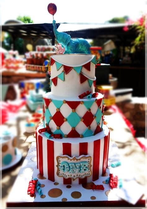 carnival themed cakes top 9 circus zoo themed cakes cakecentral com