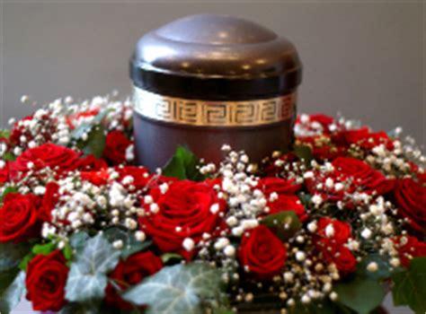 urne zuhause urne f 252 r zu hause bestattungsarten gedenkseiten de