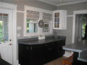black and white and gray kitchen 2017 grasscloth wallpaper