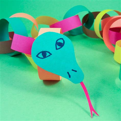 Paper Snake Craft - make a circly paper chain snake friday craft