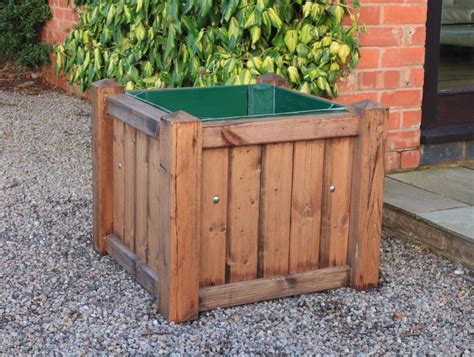 Self Watering Planters Uk by Pavement Planter With Self Watering Reservoir Woodberry