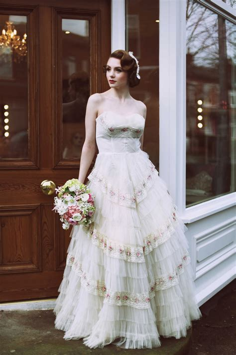 Vintage Wedding Dresses 1950 by 1950 S Fashion For The Modern My