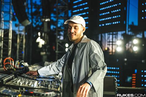 san holo download san holo drops quot one thing quot ahead of friday s release and