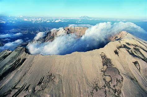 mount st helens other volcanoes picas the deadliest volcano in the united states just got really
