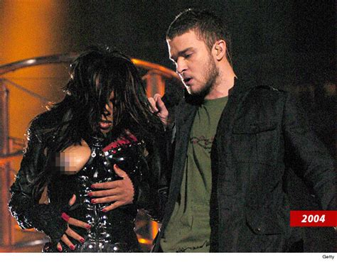 Janet Jackson 2004 Bowl Wardrobe by Janet Jackson Not Banned From Bowl Halftime Nfl Says Sector