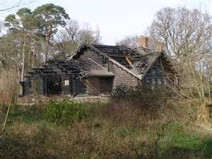 file burnt out log cabin hin cheslea new forest