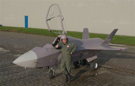 Small Home Built Jet Aircraft F 35 Jet The Awesomer