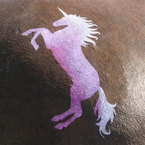 Sprei Unicorn Pink pochoir cheval licorne autour du cheval glamourati