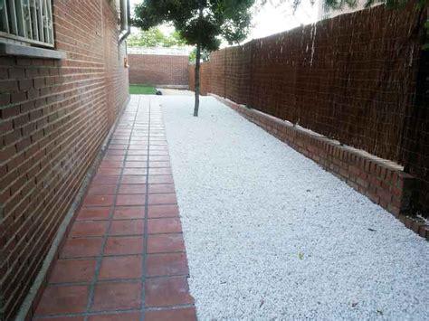 decoracion jardines con piedras blancas decoraci 243 n con piedras naturales en tu jardin viveros