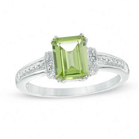 emerald cut peridot and accent collar ring in 10k