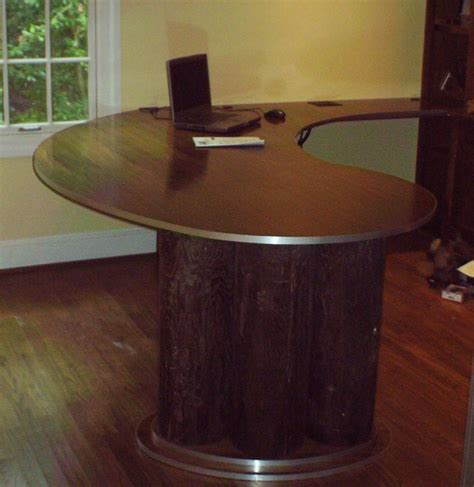 50 Curved Desk To Set The Mood For Your Home Office Curved Office Desks