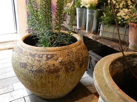 Large Patio Flower Pots The 25 Best Ideas About Large Ceramic Planters On