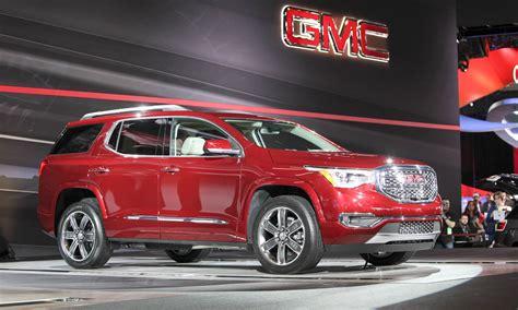 2016 detroit auto show trucks and suvs and one minivan