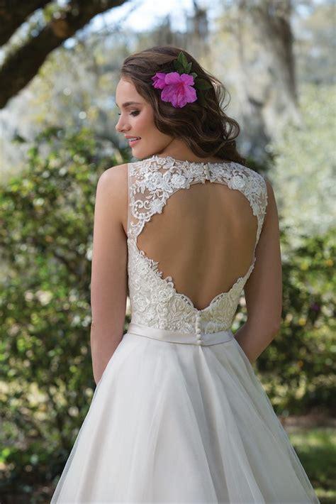 Amazing Wedding Gowns by Amazing Wedding Gowns Swindon Bridal Boutique Swindon