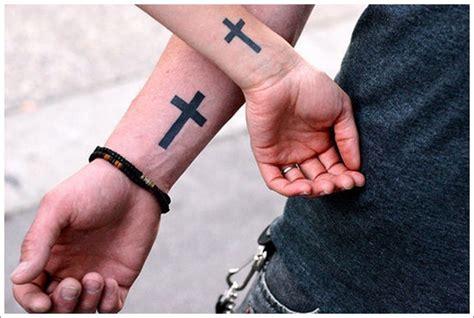 imagenes de tatuajes de una crus 30 tatuajes de cruces c 233 lticas