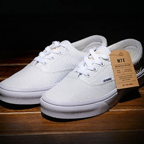 vans white crocodile skin era shoes classic canvas