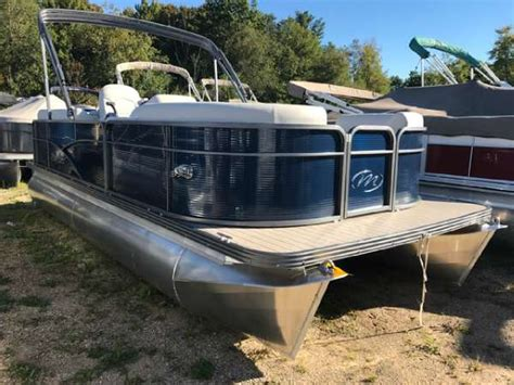 manitou pontoon boats for sale manitou pontoons 20 aurora boats for sale boats