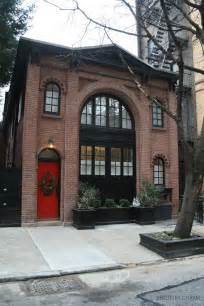 brownstone house black trim red door exterior brownstone homes