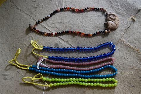 Kalung Ukir Handmade Kombinasi Ganitri kalung kayu kucing manik batu miamia gallery