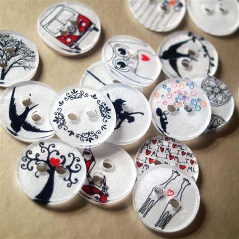 Trending Handmade Items - des boutons en plastique fou de petit citron