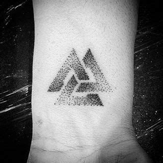 valknut tattoo meaning valknut tattoo meaning recherche google tattoo ideas