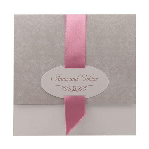 Einladungskarten Hochzeit Altrosa by Einladungskarte Taupe Mit Filigranem Ornamentdruck Band