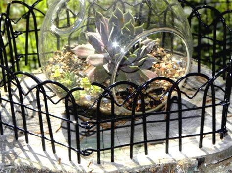 decorative garden border fence  garden park square