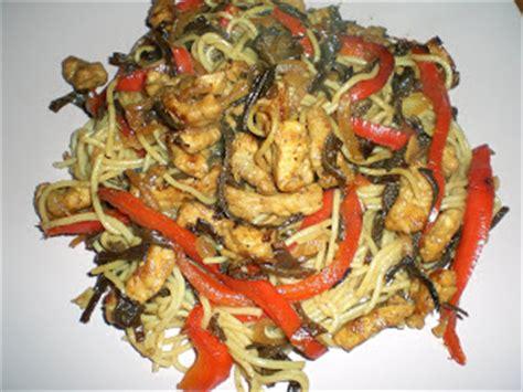 cuisiner l 馗hine de porc la cuisine d aude nouilles sautees au porc et chignons