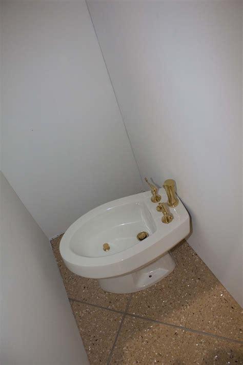 survivor bathroom survivor bathroom 28 images survivor the chain