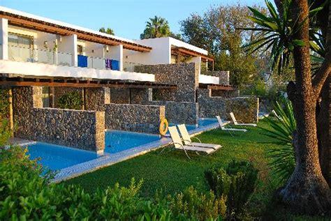 chambre avec piscine privative chambres avec piscine priv 233 e picture of kontokali corfu