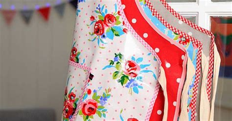 sewing oilcloth apron oilcloth aprons vintage inspired apron apron strings