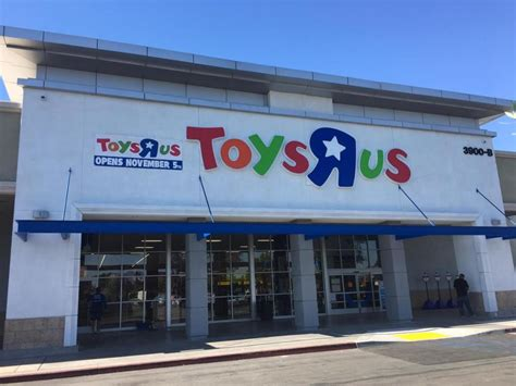 toys   plans  lure shoppers