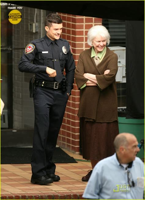 sized photo of orlando bloom officer 02