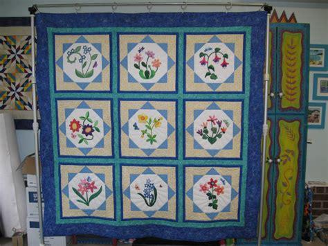 Studio Quilt by Flower Applique Quilt Quilt Artistry Studio