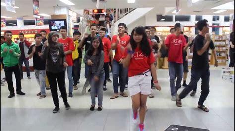 tutorial dance jkt48 fortune cookie in love 48fampku jkt48 fortune cookie in love flashmob