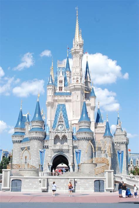 Disney Muda marvel se muda al castillo de disney