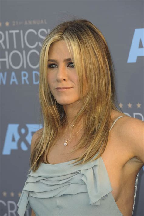 Aniston A by Aniston Is Worst Dressed At The 2016 Critics