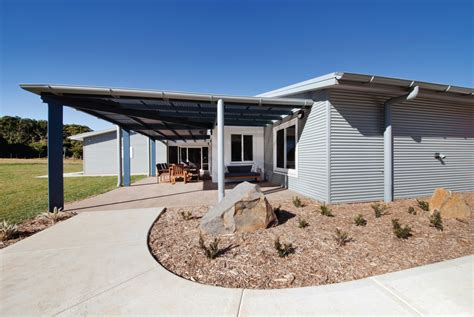 Mission Farms Detox by Mission Australia Care Farm Patterson Building