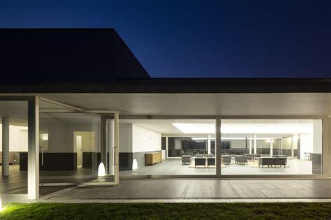 E House Plans galeria de inaugurada a siza house em clube de golf de