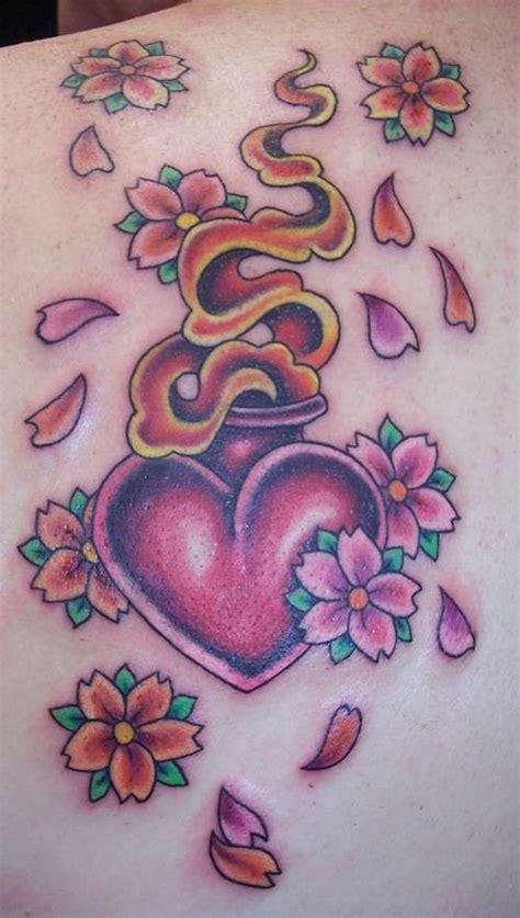 tatuaggio cuore con fiori idee tatuaggi school per foto 11 42 stylosophy