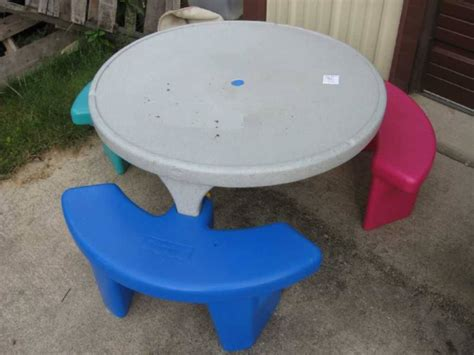 fisher price picnic table fisher price plastic picnic table with three