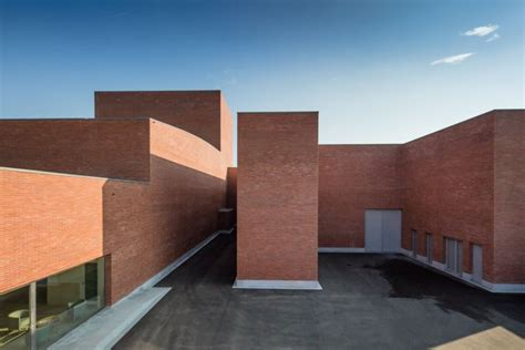 Home Design Architecture by Llinars Auditorium By Alvaro Siza And Aresta Arquitectura