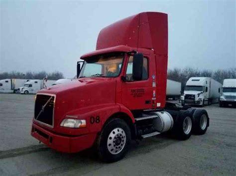 2006 volvo semi truck volvo daycab 2006 daycab semi trucks