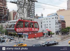 roosevelt cable car new york new york may 28 2015 the roosevelt island tramway is